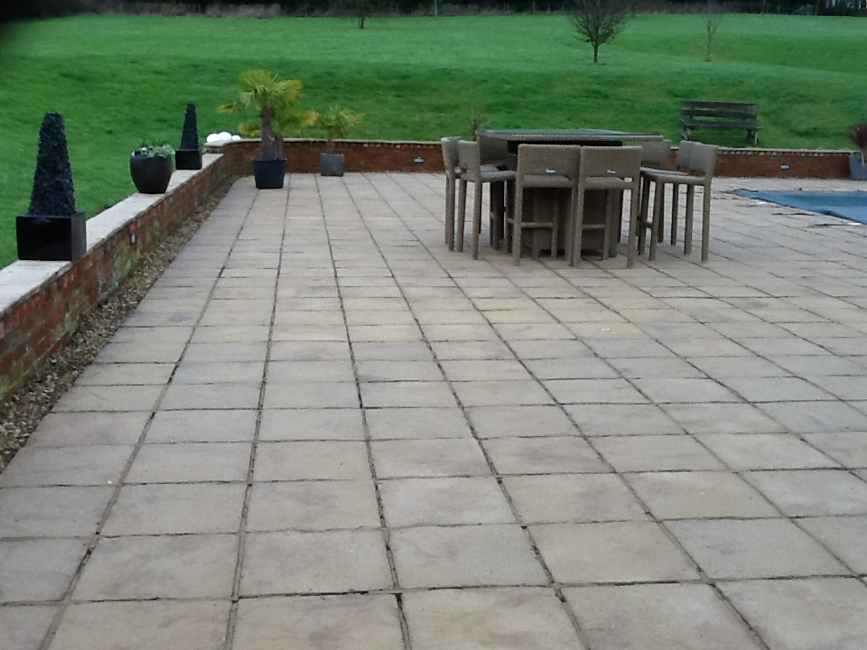 Driveway And Patio Cleaning Services Northants Workhistorypatios
